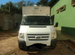 Caminhão Ford Transit - 2013