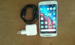Vendo ou troco um Motorola 4 plus de 32 g, digital ok ,