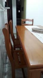 Mesa Madeira usada com 6 cadeiras