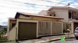 Casa com 3 dormitórios para alugar, 255 m² por R$ 2.500,00/mês - Jardim Vitória - Poços de