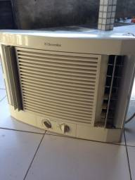 2 Ar Condicionados Eletrolux 7500 btus