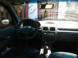 Clio 4 portas - 2002
