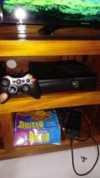 Xbox 360 destravado 2 controles sem fio