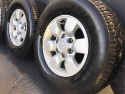 Jogo de rodas Toyota Hilux R15