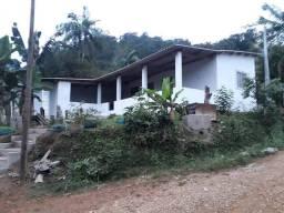 Casa ao lado do Rio Eta em Sete Barras (Willian Ricardo)