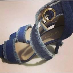 Sandália jeans Arezzo