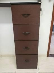 Prateleiras e móveis para escritório em MDF