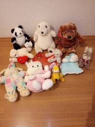 Vendo brinquedos de pelúcia