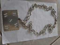 Vendo um cordão de prata com pingente