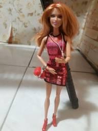 Barbie Ruiva toda articulada com acessórios