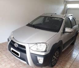 Toyota Etios Cross 1.5 Mec. Muito novo!