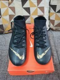 Chuteira Nike Mercurial (41)