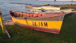 Vendo barco de pesca à remo