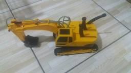 Brinquedo: Escavadeira hidráulica