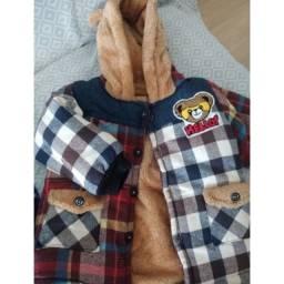 Um casaco quente e um conjunto em fleece marca renner