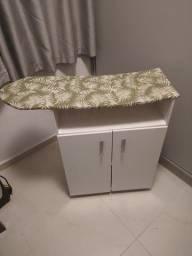 Mesa passadeira de roupas