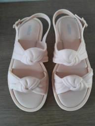 Título do anúncio: Melissa velvet sandal 36/37