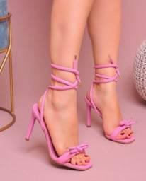 Vendo sandália amarração rosa petúnia
