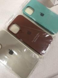 Título do anúncio: Kit 04 Capinhas Silicone Case iPhone 12 Pro Max Aveludado