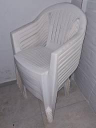 12 Cadeiras em ótimo estado