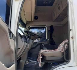 Cavalo Mecânico truck 6x2 único dono