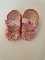 Vendo sapato estampado menina