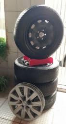 "Roda 15"" 5x100 originais VW Fox Trend + Pneus Pirelli P1 (70% de borracha)"