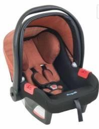 Bebê conforto semi-novo - Burigotto Touring