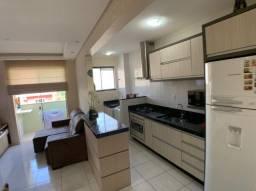Apartamento 2 quartos, mobilia e sacada c/churrasqueira!