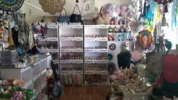 Vendo montagem provençal e mercadorias e peças de artesanato