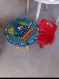 Vendo uma mesa infantil