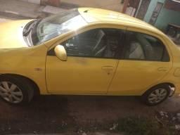 Passo financiamento Toyota Etios 2014 - 11.000,00