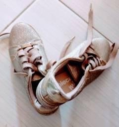 Título do anúncio: Sapatos bem conservados.