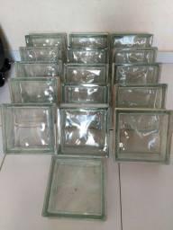 Vendo 10 und de blocos de vidro