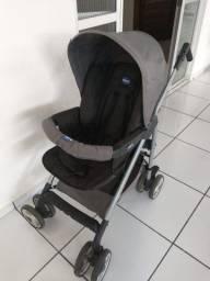 Carrinho de bebê e bebê conforto Chicco