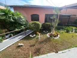 Título do anúncio: Oportunidade no Floramar! Casa colonial de 3 quartos sendo 1 suíte em excelente localizaçã