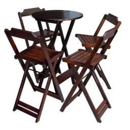 Mesas dobráveis de madeira