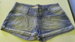 Short Jeans com spikes