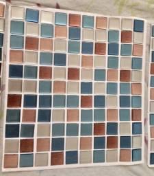 03 placas de pastilhas adesivas resinadas - novas - 30x30 - Preço das 03 placas juntas.