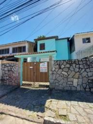 Casa 2 quartos duplex em Mangabeira bem localizada.