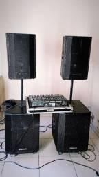 Vendo equipamentos de som para eventos