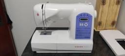 Título do anúncio: Máquina de costura Singer Starlet 6680