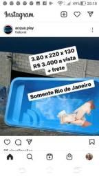 Piscina em fibra 380 x 220 x 130 R$ 3.400