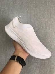 Tênis Nike Slip n. 38