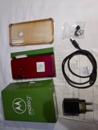 Motog 8 play na caixa com nota fiscal carregador original,aceito cartão e faço entrega