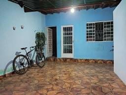 Casa com 2 dormitórios à venda, 160 m² por R$ 200.000,00 - Dona Julieta - Lavras/MG