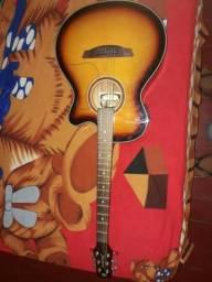 Vendo lindo violão impecável sem nem uma marca de uso
