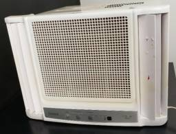 Ar Condicionado Consul 7.500 eletrônico pouquíssimo uso 127V na garantia