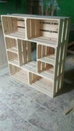 Estante caixotes madeira pinos