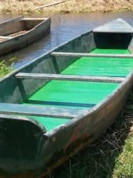 Canoa com motor
